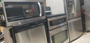 Photo Kenmore stainless steel appliances