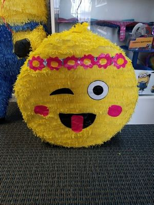 😁😁Emoji Piñata 😁😁 for Sale in Houston, TX