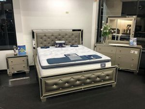 Photo Brand new queen bedroom set on sale. Mattress separate