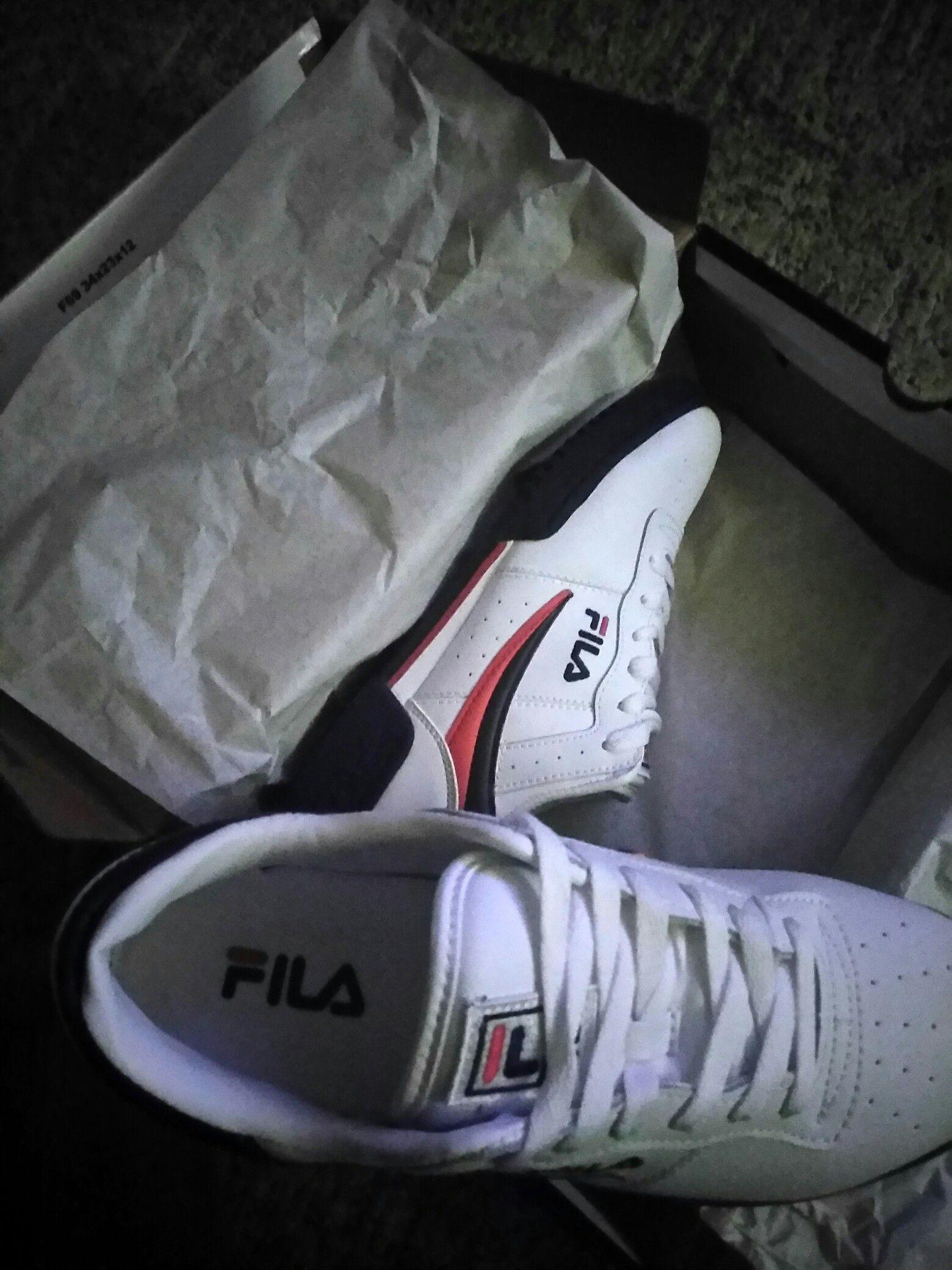 White Fila's