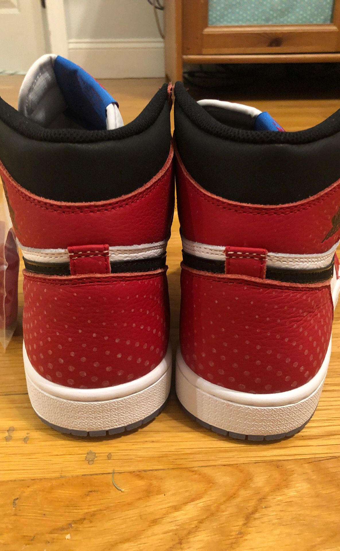 Jordan 1 Spider-Man with special box (deadstock)