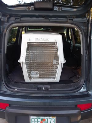 Large pet carrier for Sale in Orlando, FL