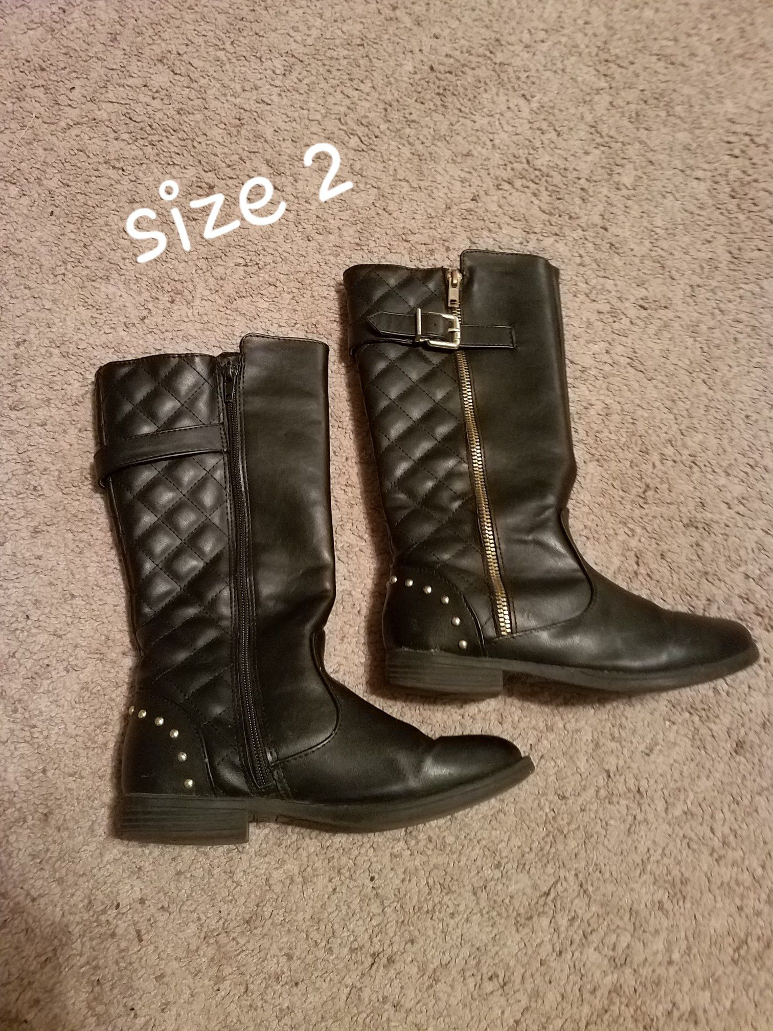 Girls boots- sizes 2-4