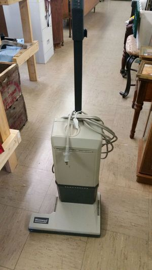 Electrolux upright vacuum for Sale in Appomattox, VA
