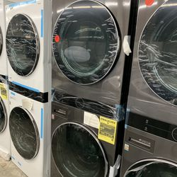 New LG Black Stainless Steel Stacked Washer And Dryer Gas With Steam Thumbnail
