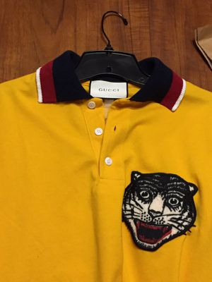 Gucci shirt for Sale in St. Louis, MO
