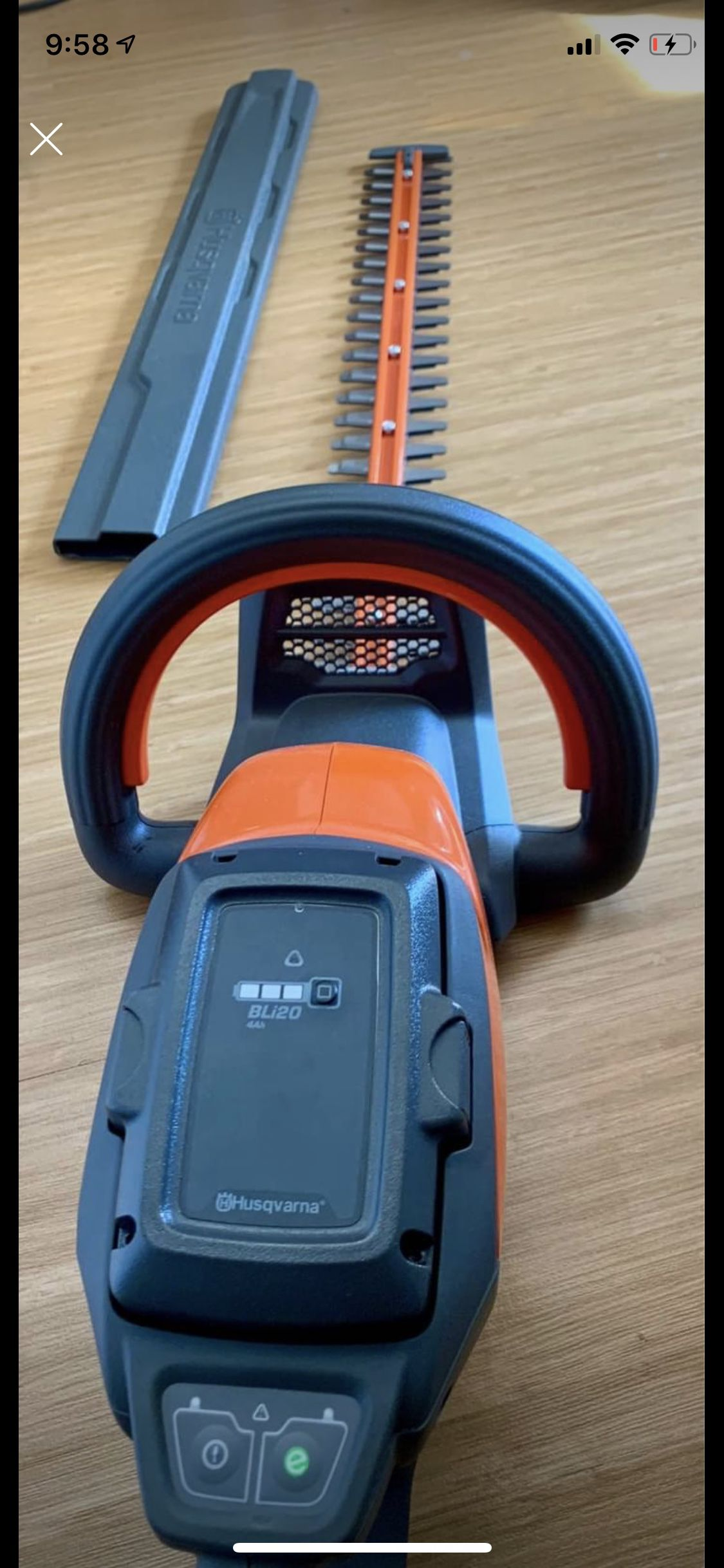 NEW Husqvarna 40V Hedge Trimmer With Battery & Charger