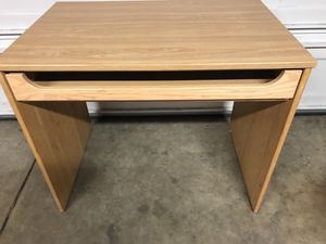 DESK for Sale in Middleburg Heights, OH