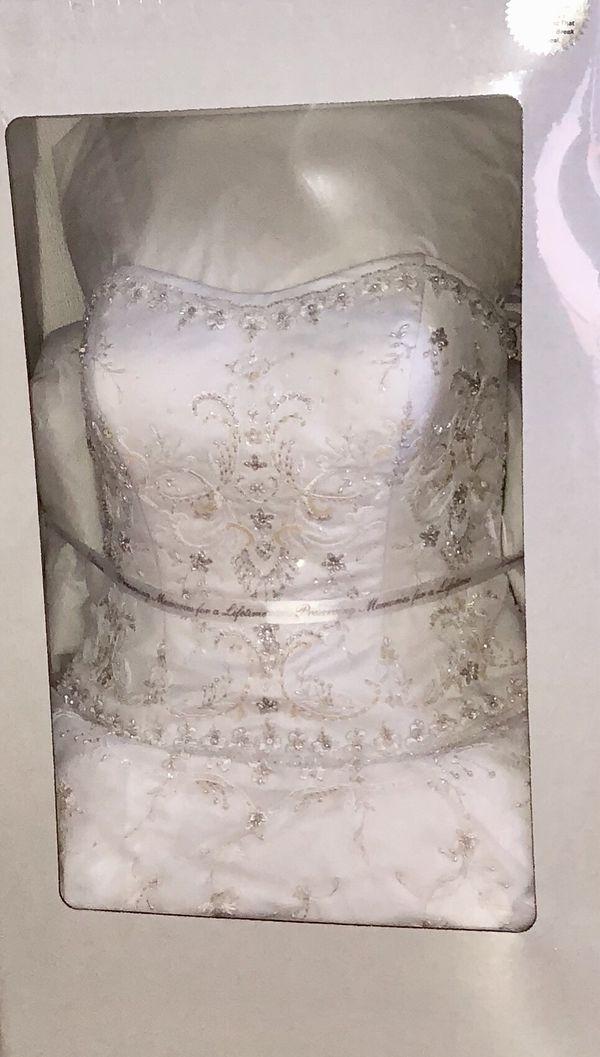 56c8da57c0c OLEG CASSINI SATIN BODICE ORGANZA WEDDING DRESS Size 8 for Sale in ...