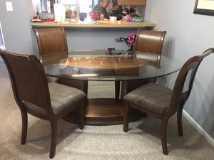 Dinning table for Sale in Springfield, VA