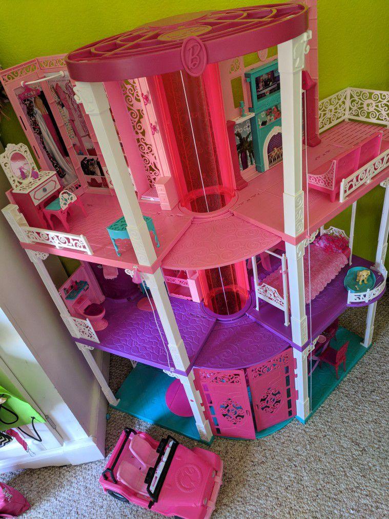 Barbie Dream House by Mattel: Dreamhouse w/ Elevator