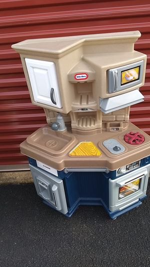 Play kitchen for Sale in Annandale, VA