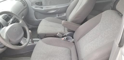 2005 Hyundai Accent Thumbnail