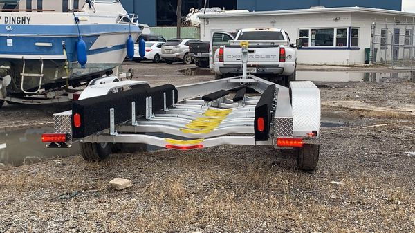 2019 unused 40� aluminum tri axle boat trailer originally built for a formula 370ss and will fits an