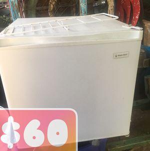 Mini fridge for Sale in Austin, TX