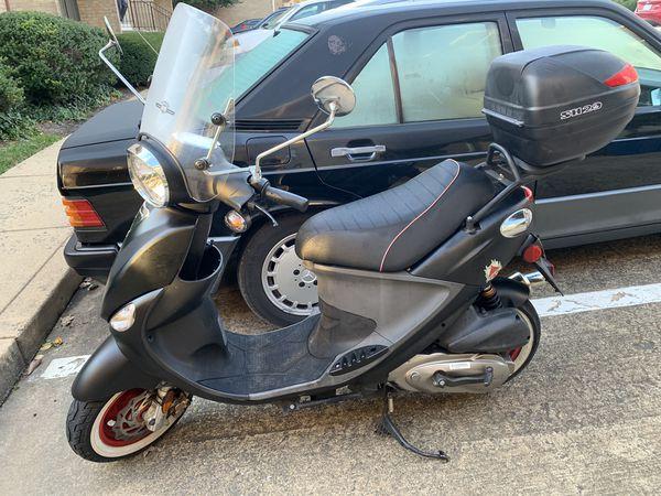 2009 genuine scooter