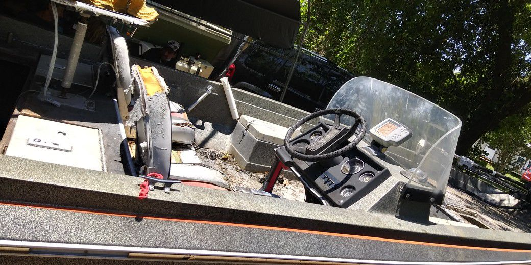 Photo Titled 1988 16 4 Cajun Bass Boat Project ..comes With Magic Tilt Trailer