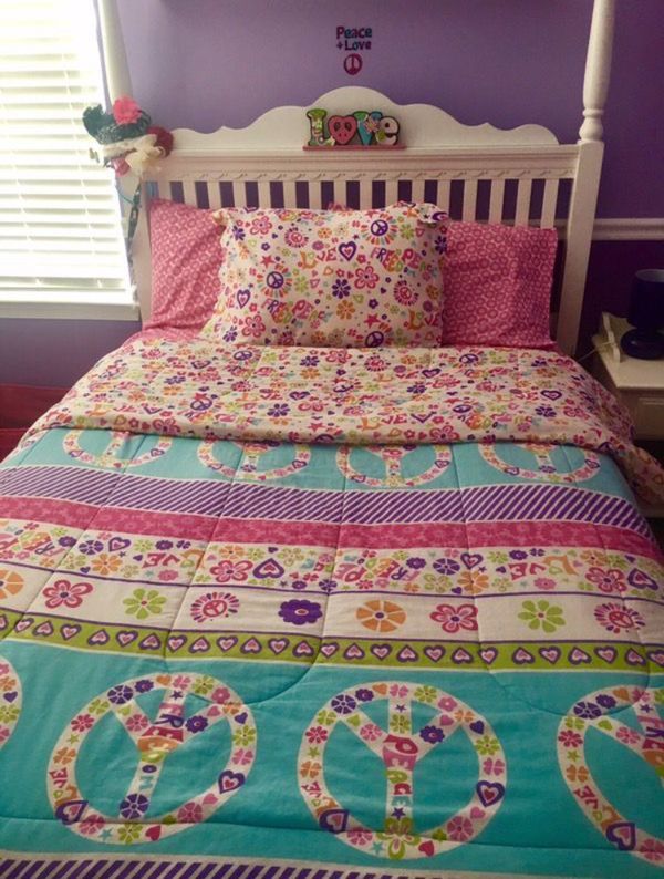 Peace Sign Girls Bedroom Comforter Set and Decor for Sale in Mays Landing,  NJ - OfferUp