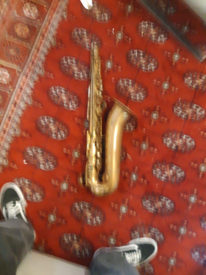 Revelle Saxophone  Missing Mouthpiece