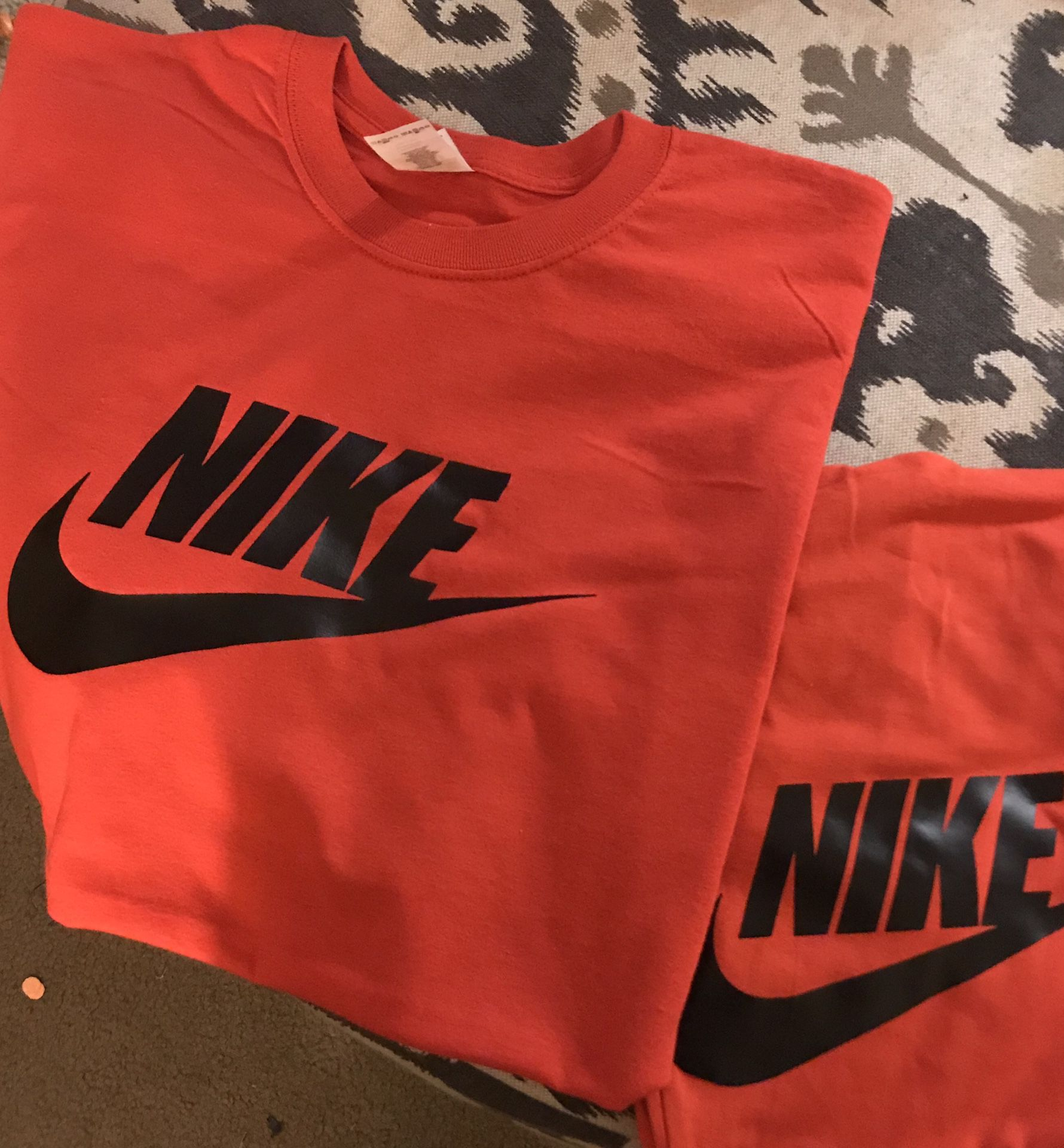 Custom Nike set. You pick you colors ladies full sets men shirts only. 25 dollars all colors