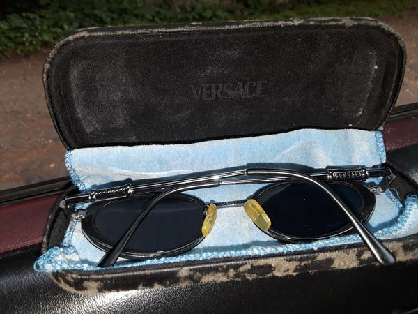 6f2e30db5d94 Versace Vintage Medusa sunglasses wiyh case for Sale in Lynnwood ...