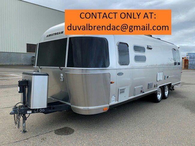Photo vzdf2015 Airstream Flying Cloud 28 Camping Trailer RV