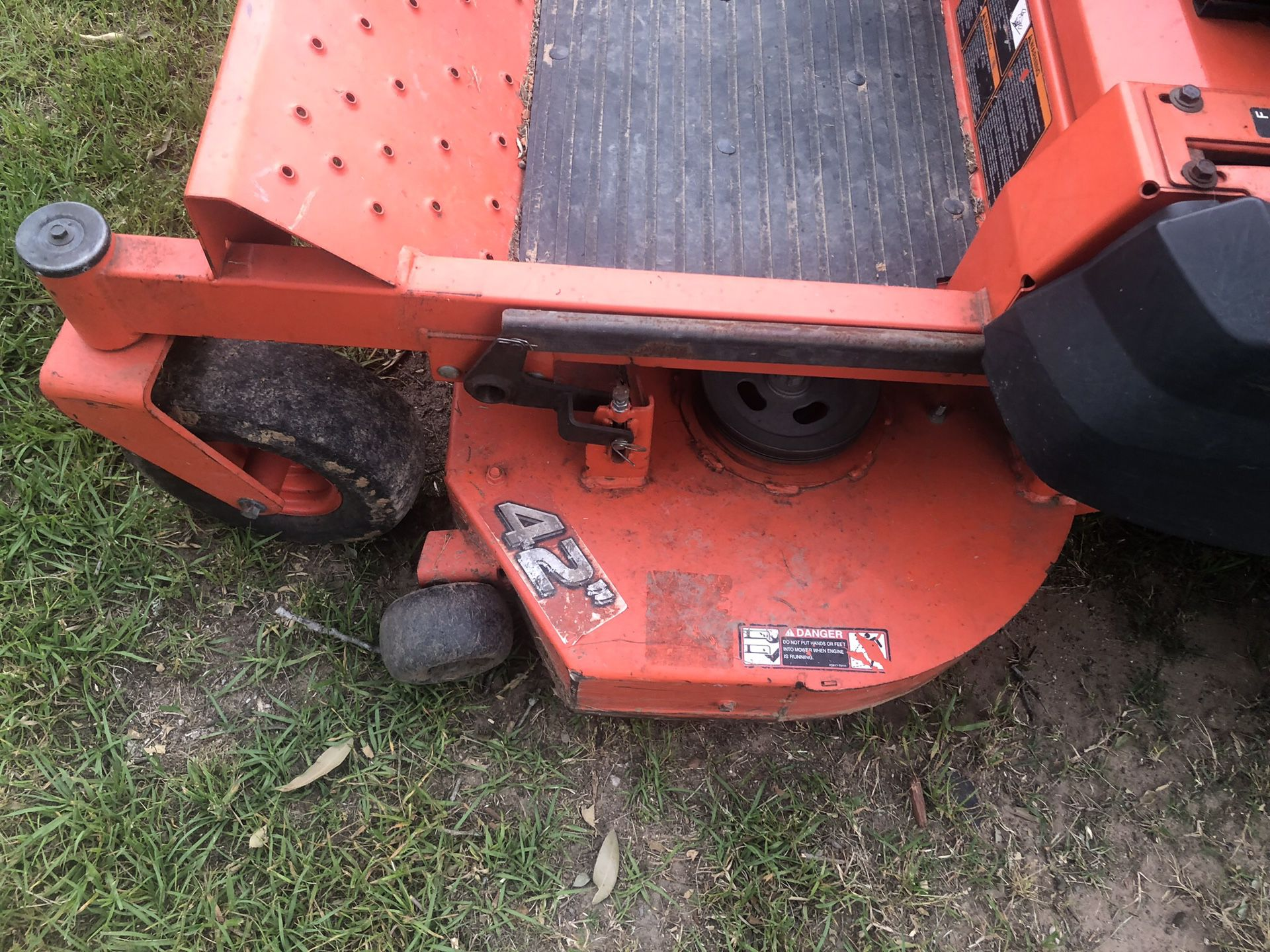 42 inch 0 turn Kubota mower. Drives great very clean low hours.