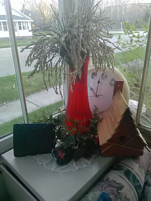 Red tall glass vase. for Sale in Barryton, MI