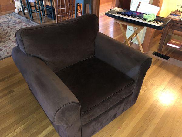 Cozy Macy S Armchair For Sale In Seattle Wa Offerup