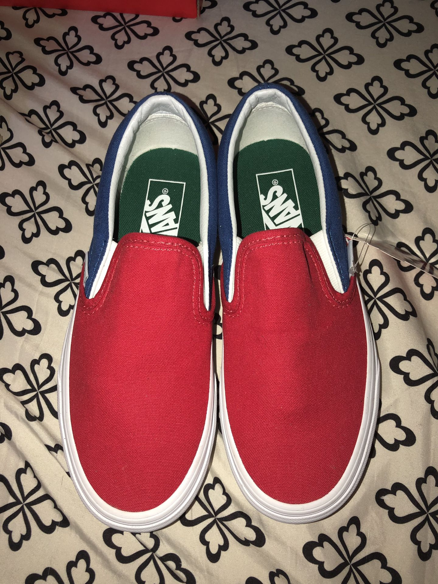 DS VANS YACHT CLUB (LIMITED EDITION) SIZE 6