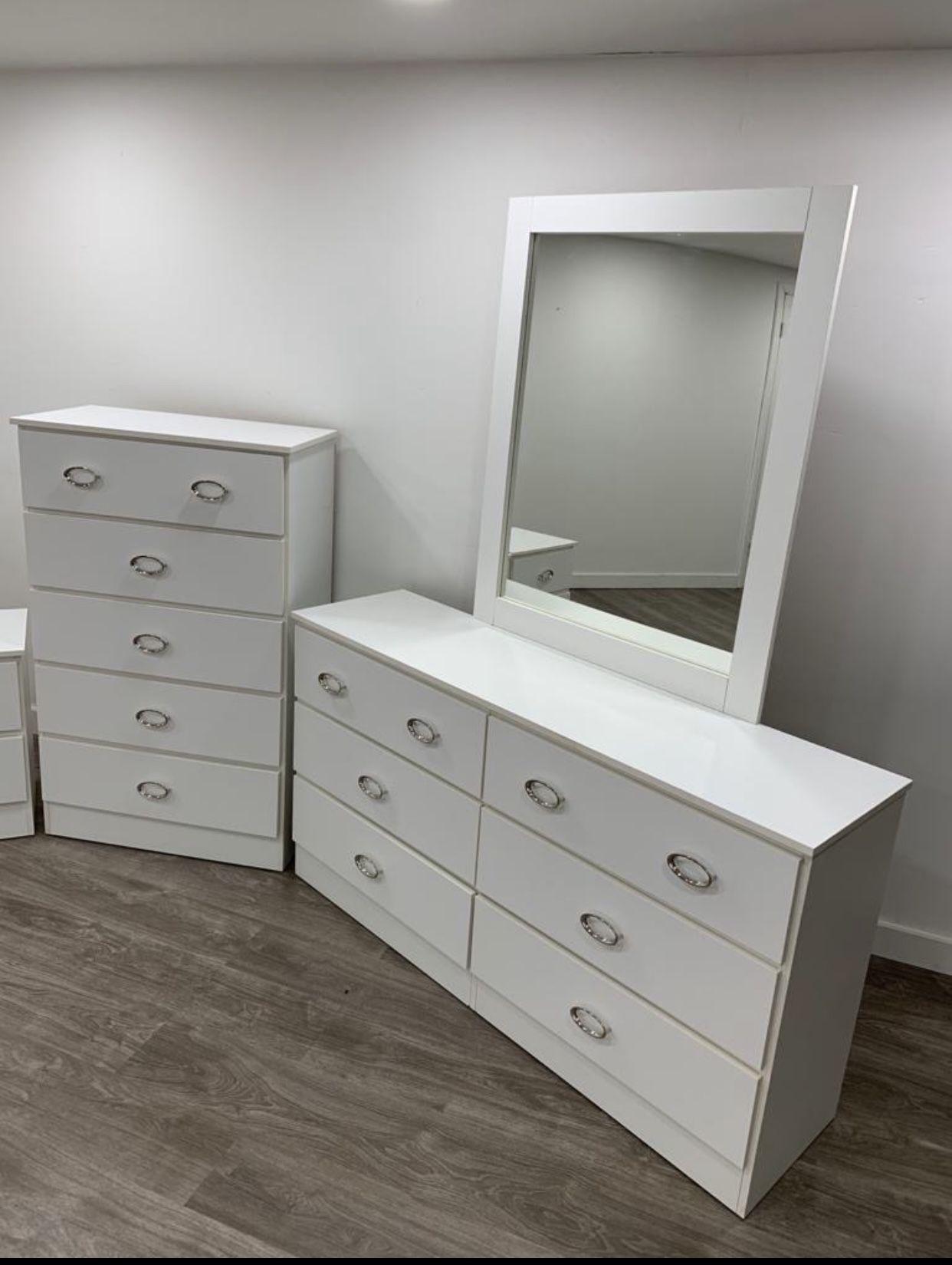 Dresser With Mirror And Chest ✨ Cómoda Con Espejo Y Gavetero