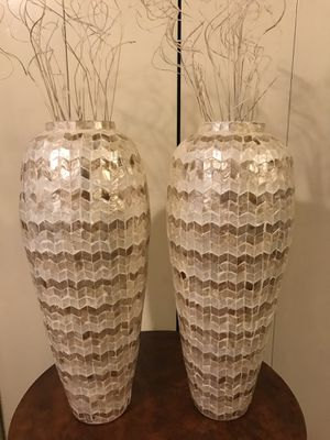 """Set of 2 golden beige capiz vases 25"""" each check out my other items on this page message me if you interested gaithersburg md 20877 for Sale in Gaithersburg, MD"""