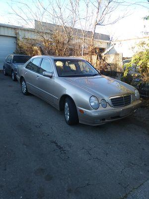 00 Mercedes Benz E320 10WR 138.000 Run Good A-1 for Sale in Washington, DC