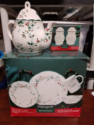 Pfaltzgraff Winterberry set for Sale in Manassas, VA