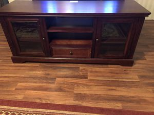 Tv STAND SOLID WOOD for Sale in Midlothian, VA