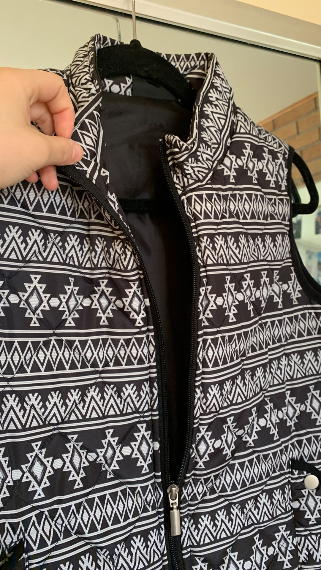 New! Black and white Vest