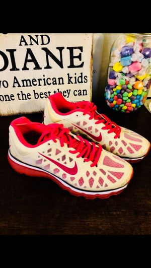 fcd37eb3964 Nike Womens tennis shoes size 5.5 new.!! for Sale in Santa Ana