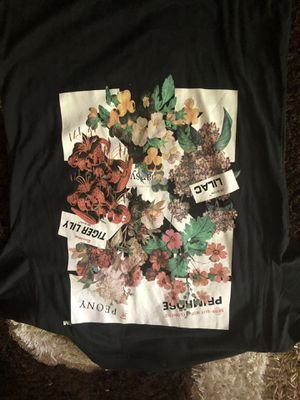 Off white tee shirt medium and large black for Sale in Washington, DC