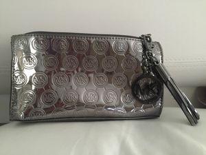 2cfca7aa188d Michael Kors metallic clutch bag for Sale in Miami Beach, FL
