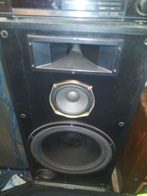 18 in subwoofers 8-inch mid-range and Traders these things will rock for  Sale in Burleson, TX - OfferUp