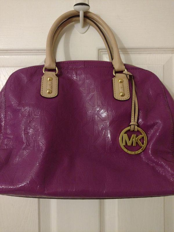 8091441bc4618 Michael Kors MK Dome purse (Jewelry   Accessories) in Hesperia