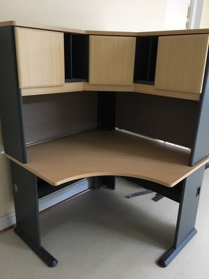 Corner Office desk with hutch for Sale in Laurel, MD
