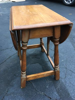 2 end tables for Sale in Alexandria, VA