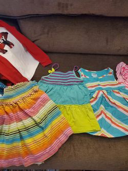50 PIECES GIRL'S 18 MONTH - 2T CLOTHES Thumbnail