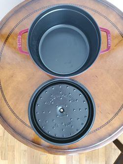 Staub Round Cocotte Pot Thumbnail