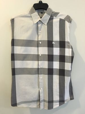 Burberry shirt for Sale in Germantown, MD