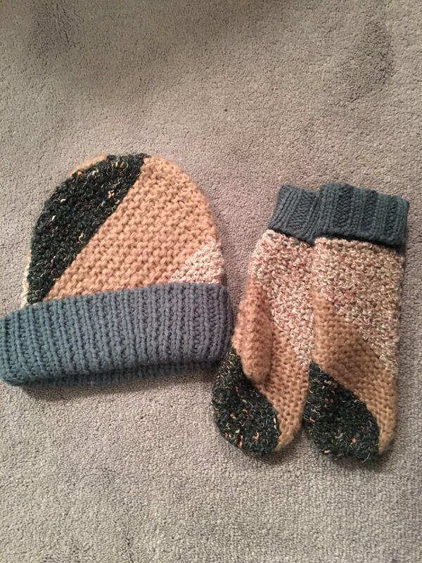 Warm   Cozy Kenneth Cole mittens and Beanie for Sale in El Paso 8187d8d9822