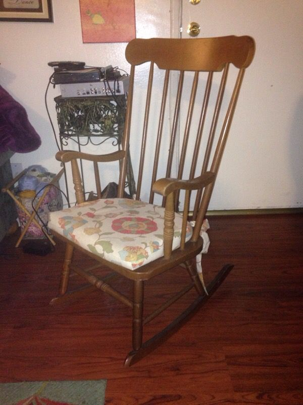 Antique maple rocking chair made in Japan (Antiques) in Lemon Grove, CA -  OfferUp - Antique Maple Rocking Chair Made In Japan (Antiques) In Lemon Grove