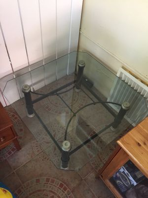 Mesa de cristal para sala for Sale in Hialeah, FL