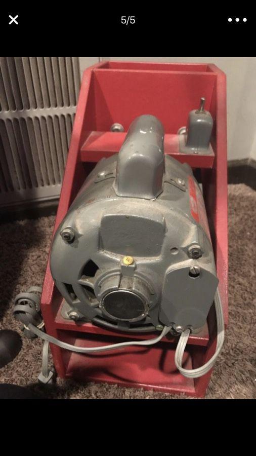 Miller Boy Mills Electric Flour Grinder Mill Model 5k443b